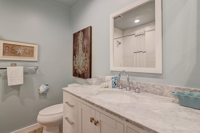 294-Stoney-Creek---2-Queen-Bathroom-12375-big.jpg