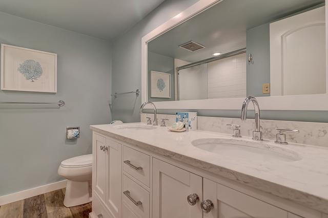 294-Stoney-Creek---Master-Bathroom-12370-big.jpg