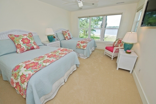 3-Lands-End---2nd-Floor-Double-Beds-6114-big.jpg