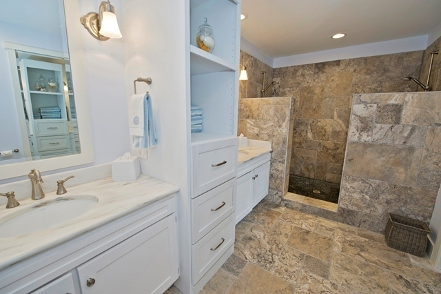 3-Lands-End---Master-Bathroom-6113-big.jpg