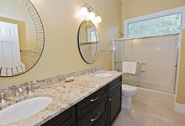 3-Sprunt-Pond---Queen-Bathroom-3288-big.jpg