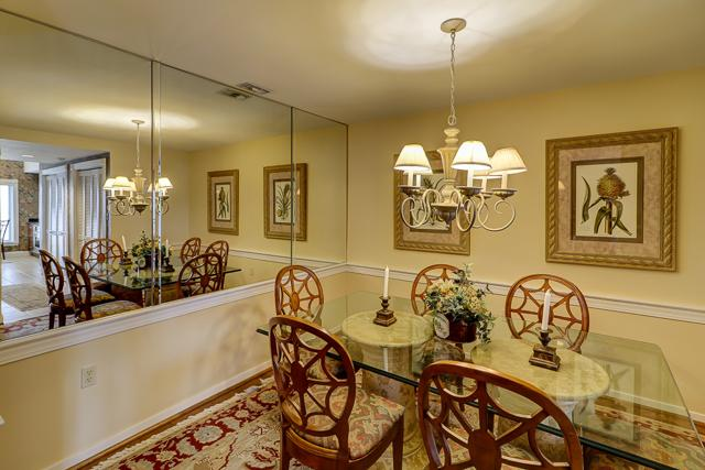 303-Turtle-Lane-Dining-Room-13308-big.JPG