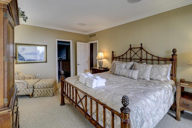 303-Turtle-Lane-King-Bedroom-13312-big.JPG