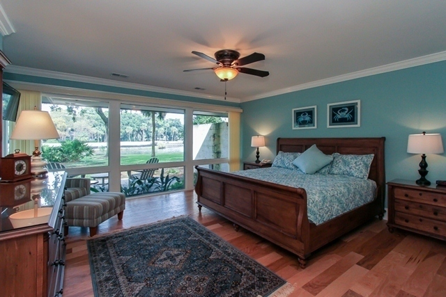 312-Beach-Lagoon-Villas--Master-Bedroom-8330-big.jpg