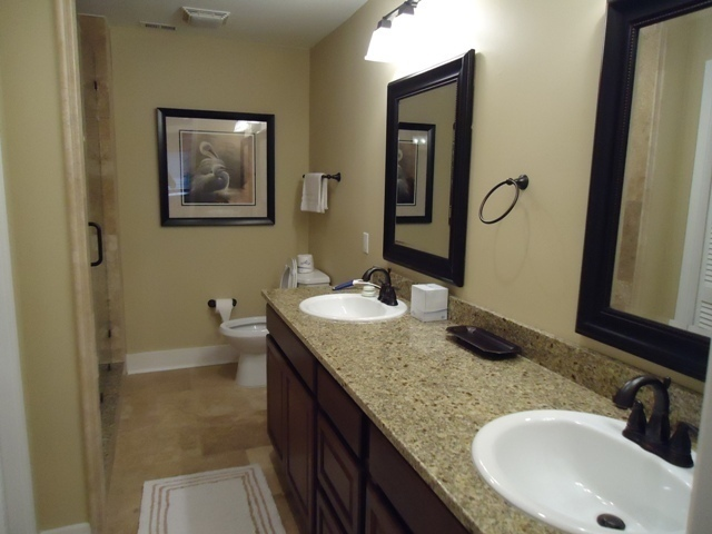 32-Turtle-Lane-Master-Bathroom-4377-big.JPG