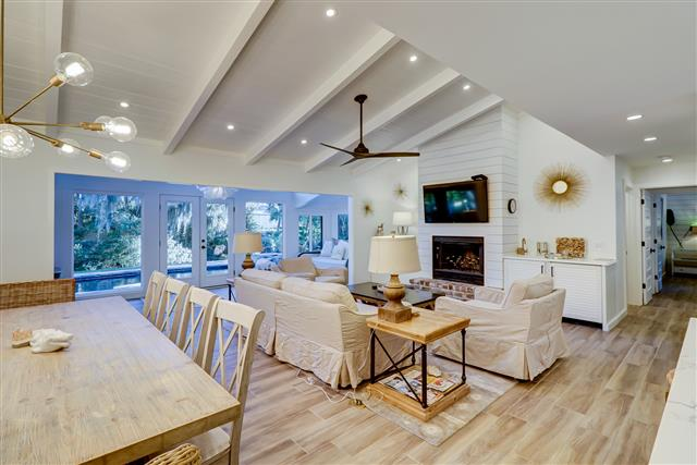 33-South-Sea-Pines-Drive---Dining-and-Living-Area-15400-big.jpg