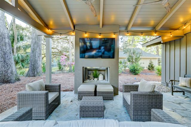 33-South-Sea-Pines-Drive---Outdoor-Living-Space-15422-big.jpg