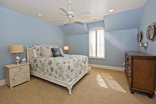 339-Greenwood-Drive--Queen-Bedroom-3-11319-big.jpg