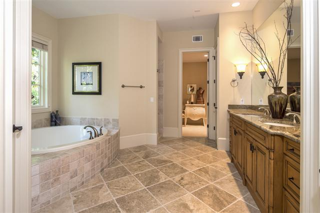 34-Baynard-Cove-Road-1st-Flr-Master-Bathroom-12871-big.jpg