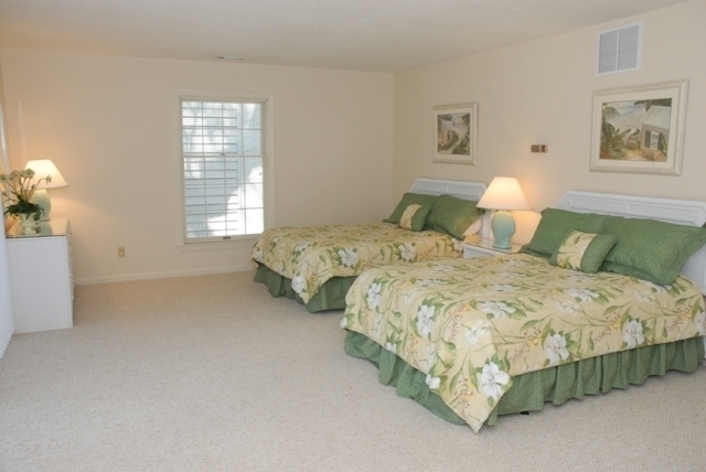 34-Stoney-Creek-Bedroom-2-2054-big.JPG