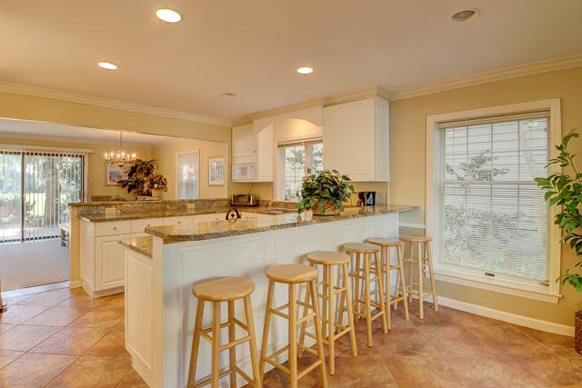 34-Stoney-Creek-Kitchen-13276-big.JPG