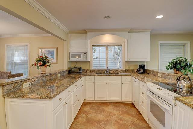 34-Stoney-Creek-Kitchen-13277-big.JPG