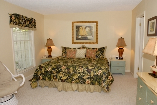 34-Stoney-Creek-Master-Bedroom-2052-big.JPG