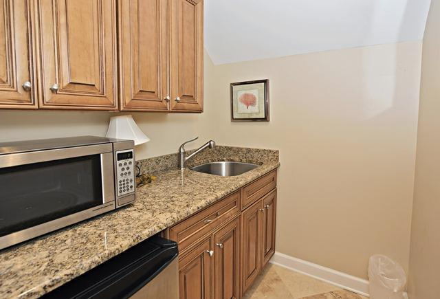 36-Willow-Oak-Court---Kitchenette-10776-big.jpg