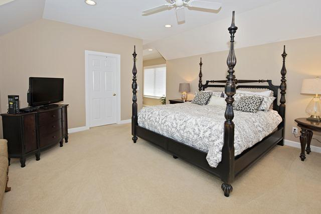 36-Willow-Oak-Court---Second-Master-Bedroom-10778-big.jpg