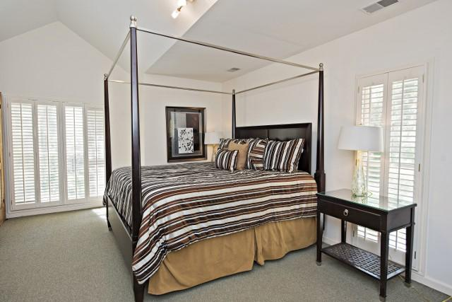 36-Woodbine-Place---King-Bedroom-11819-big.jpg