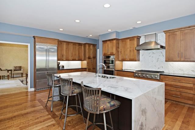 36-Woodbine-Place---Kitchen-11812-big.jpg