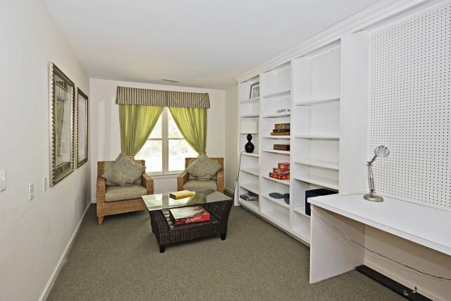 36-Woodbine-Place---Sitting-Area-within-Double-Bedroom-11817-big.jpg