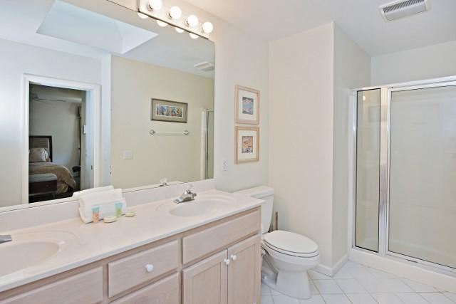 36-Woodbine-Place--Double-Bathroom-11821-big.jpg