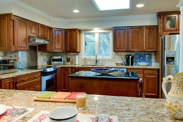 38-Battery-Road----Kitchen-8479-big.jpg