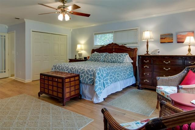 38-Battery-Road---Front-Master-Bedroom-8480-big.jpg