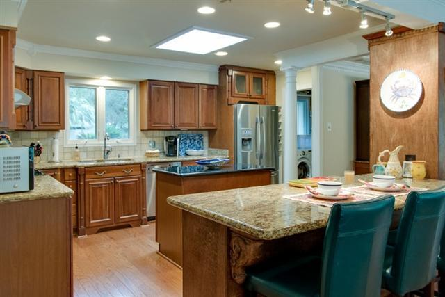 38-Battery-Road---Kitchen-8478-big.jpg