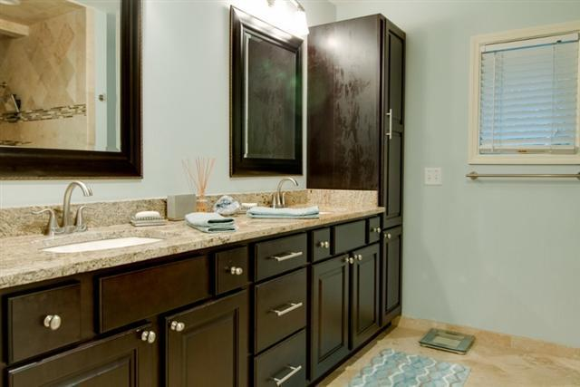 38-Battery-Road--Rear-Master-Bathroom-8484-big.jpg