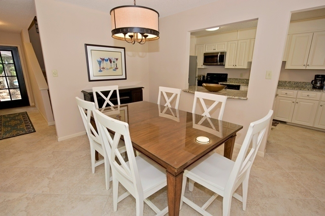 41-Deer-Run-Lane---Dining-Room-7487-big.jpg