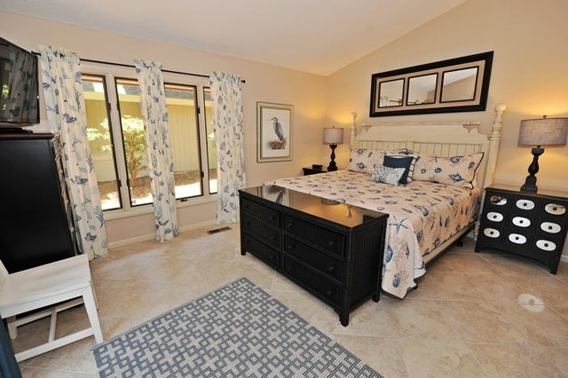 41-Deer-Run-Lane---King-Bedroom-7492-big.jpg