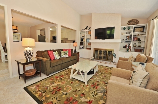 41-Deer-Run-Lane---Living-Room-7485-big.jpg