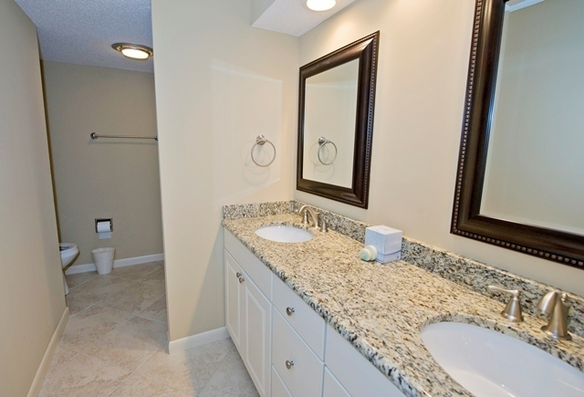 41-Deer-Run-Lane---Master-Bathroom-7491-big.jpg