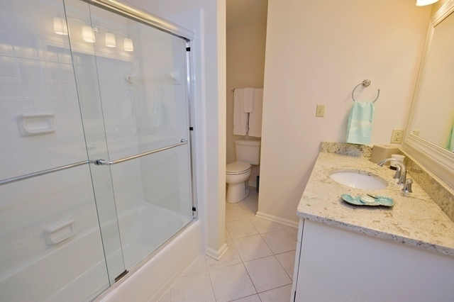 42-North-Sea-Pines-Drive-Bathroom-2-3014-big.jpg