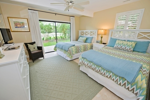 42-North-Sea-Pines-Drive-Queen-Bedroom--6652-big.jpg