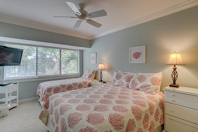 459-Plantation-Club-Twin-and-Queen-Bedroom-13535-big.jpg