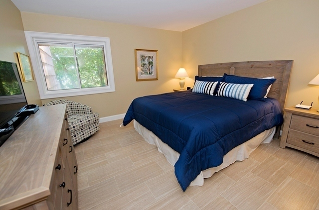 481-Plantation-Club---Master-Bedroom-8295-big.jpg