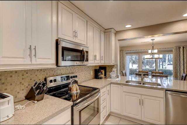 485-Plantation-Club---Kitchen-13047-big.JPG