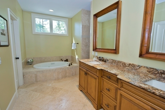 49-Deer-Run-Lane-Master-Bathroom-7907-big.jpg