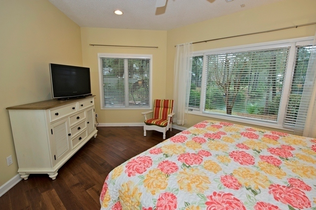 5-Cannon-Row---Master-Bedroom-8263-big.jpg