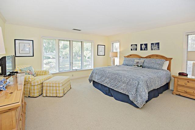 5-Turtle-Lane---Master-Bedroom-11144-big.jpg