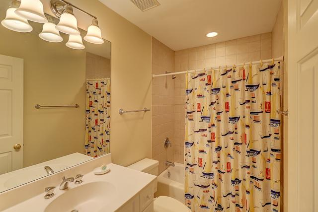 50-Lands-End--2-Twin-Bathroom-11534-big.jpg