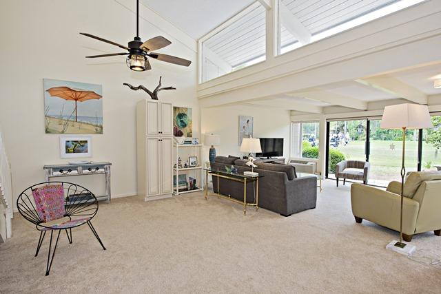 50-Woodbine-Villa---Great-Room-11893-big.jpg