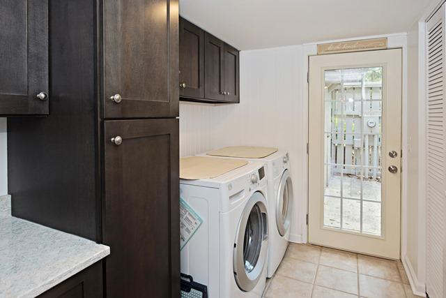 50-Woodbine-Villa---Utility-Room-11897-big.jpg
