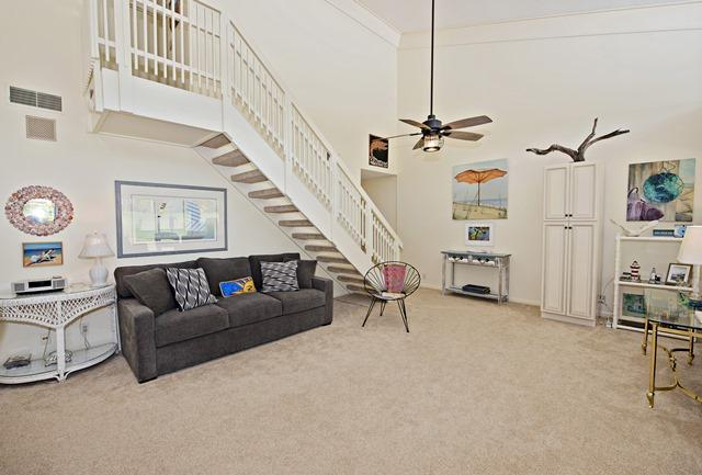 50-Woodbine-Villa--Great-Room-11892-big.jpg