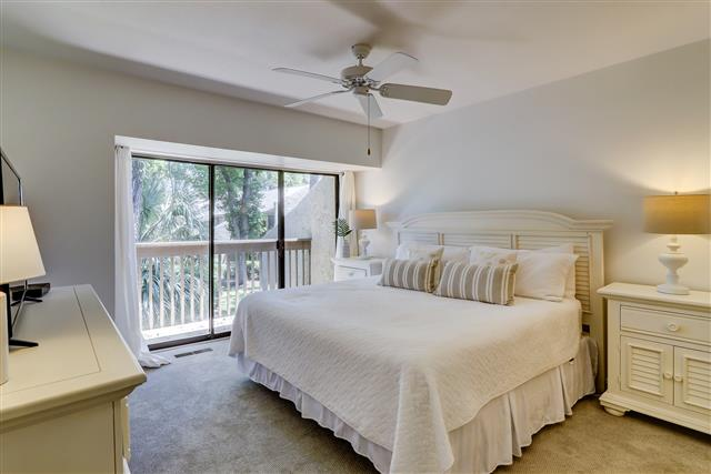 506-Plantation-Club---Master-Bedroom-15954-big.jpg