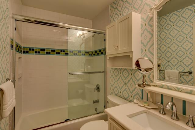 547-Ocean-Course---King-Bathroom-13837-big.jpg
