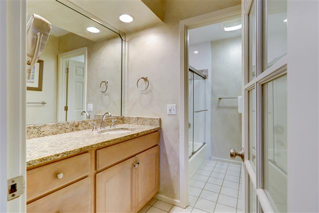 552-Ocean-Course--Master-Bathroom-15151-big.jpg