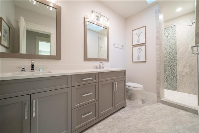 6-Whistling-Swan---Additional-Bathrooms-2nd-Floor-15772-big.jpg