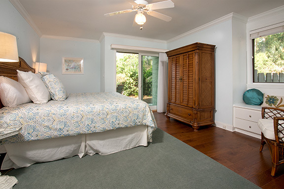 6-Windjammer-Court----Master-Bedroom-8115-big.jpg