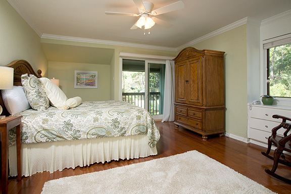 6-Windjammer-Court---King-Bedroom-8118-big.jpg