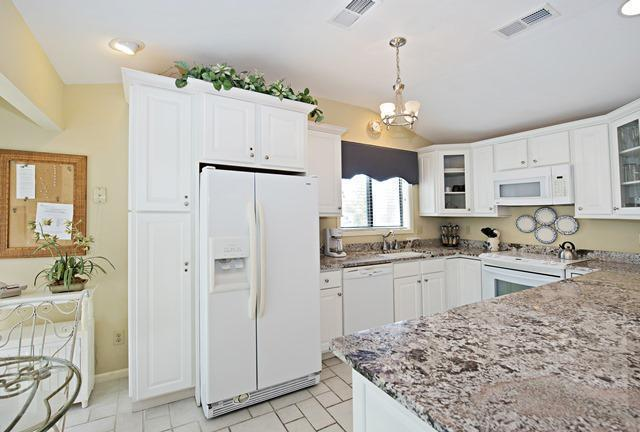 6966-Fairway-One---Kitchen-10744-big.jpg
